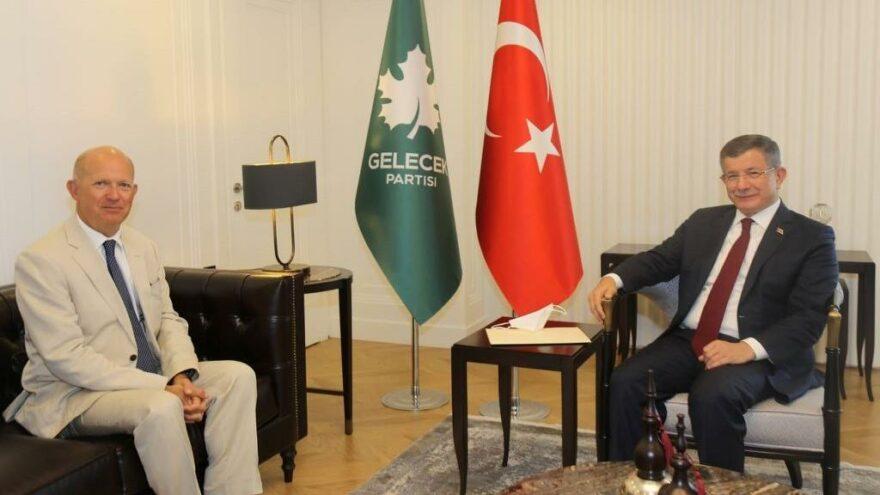 Birleşik Krallık Büyükelçisi'nden Davutoğlu'na ziyaret