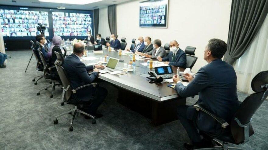 Milli Eğitim Bakanı Selçuk'tan dikkat çeken toplantı