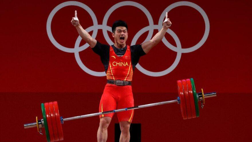 Tokyo 2020 | Çinli halterci Zhiyong Shi'den 3 olimpiyat rekoru birden