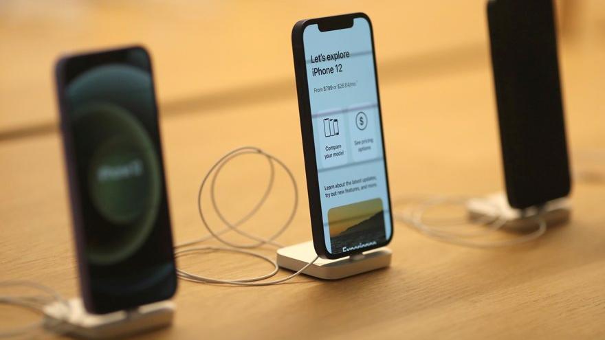 Apple'dan dikkat çeken maske kararı