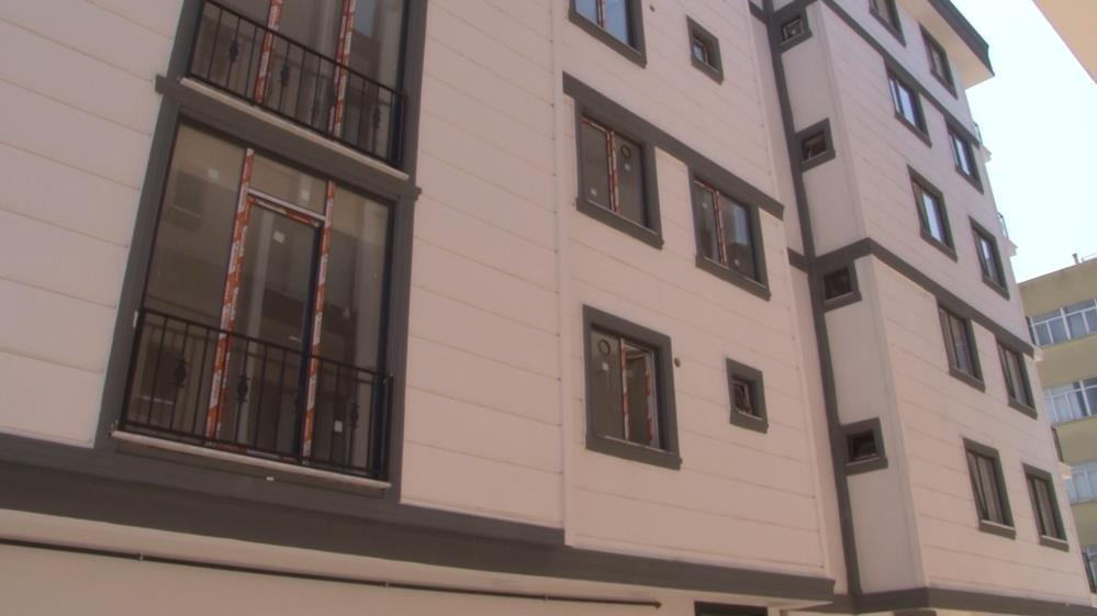 Maltepe'de hayali daireleri 15 kişiye satan müteahhit kayıplara karıştı
