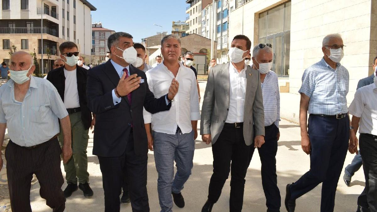 CHP'li heyet Elazığ'da depremzedeleri ziyaret etti
