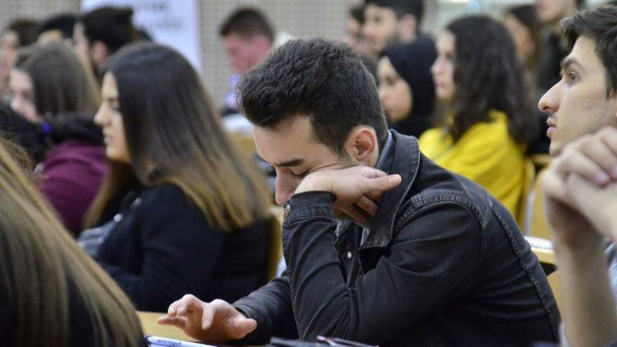 Gençlerimiz neden yurt dışına gidiyor?