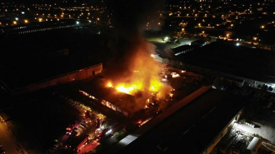 Elazığ OSB'de korkutan yangın