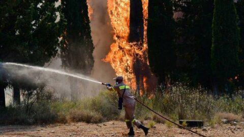 Yunanistan'da alarm: Bir günde 48 yangın çıktı
