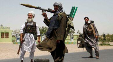 Taliban, havalimanını vurdu