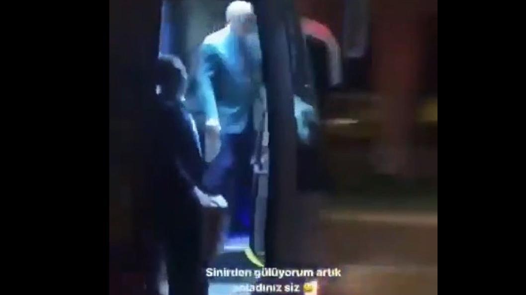 Marmaris'te çay fırlatan Erdoğan'a tepki: Türk hekimlerine havale ediyorum