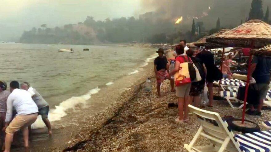 Bodrum'da yangın kabusu sürüyor, köyler boşaltılıyor, can pazarı yaşanıyor