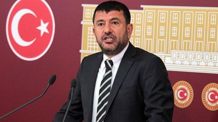 'AKP'nin göçmen politikası yoksulu yoksula kırdırmaktan başka bir şey değildir'