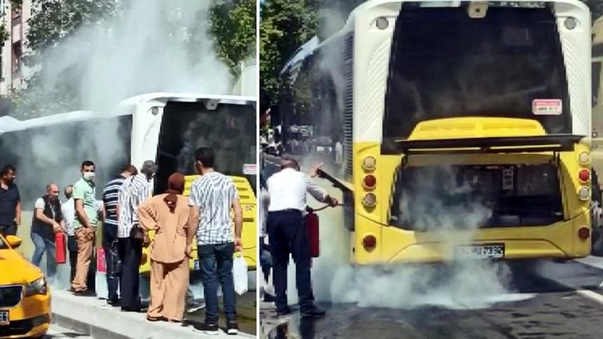 İETT otobüsünden dumanlar yükselince yolcular tahliye edildi