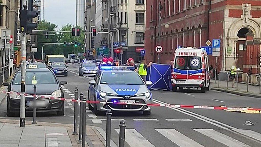 Polonya'da feci olay: Otobüs şoförü kavga edenleri ezdi