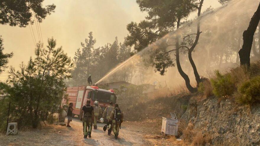 İBB yangın bölgesinde: Suya ulaşımda ve iletişimde sorunlar yaşanıyor