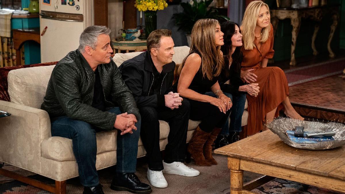 Friends koleksiyonunun tanıtımı dizinin oyuncularından geldi