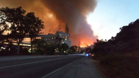 Alevler termik santrali sardı, 10 mahalle tahliye edildi