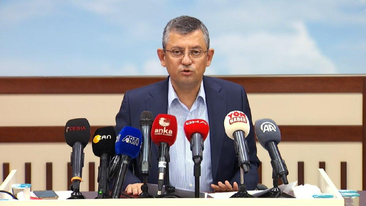 Özgür Özel'den Erdoğan'a dikey mimari eleştirisi