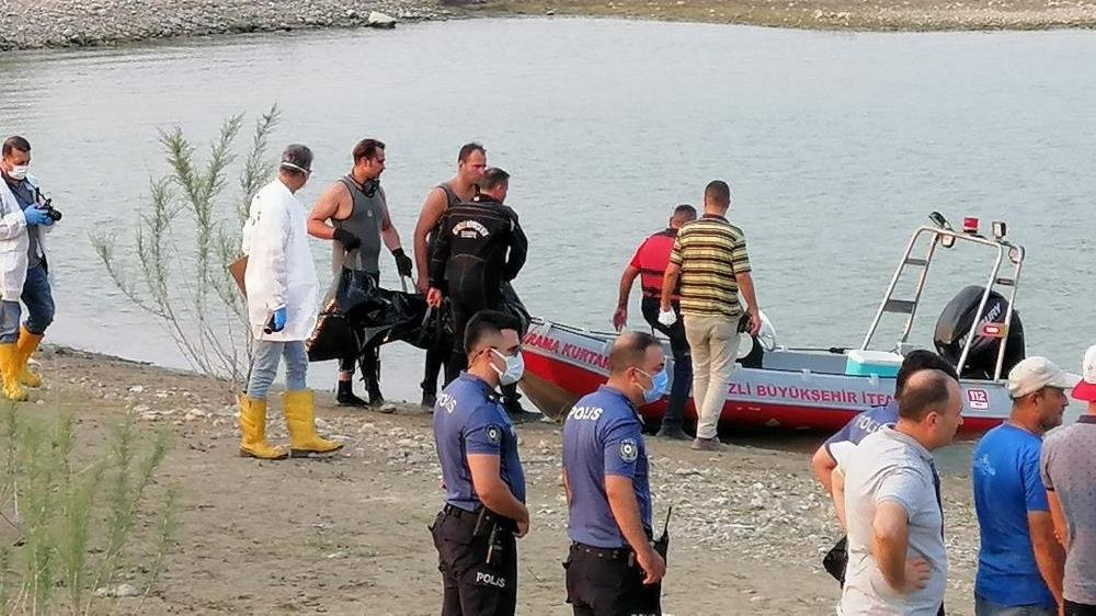 Serinlemek için baraja giren çocuk boğuldu
