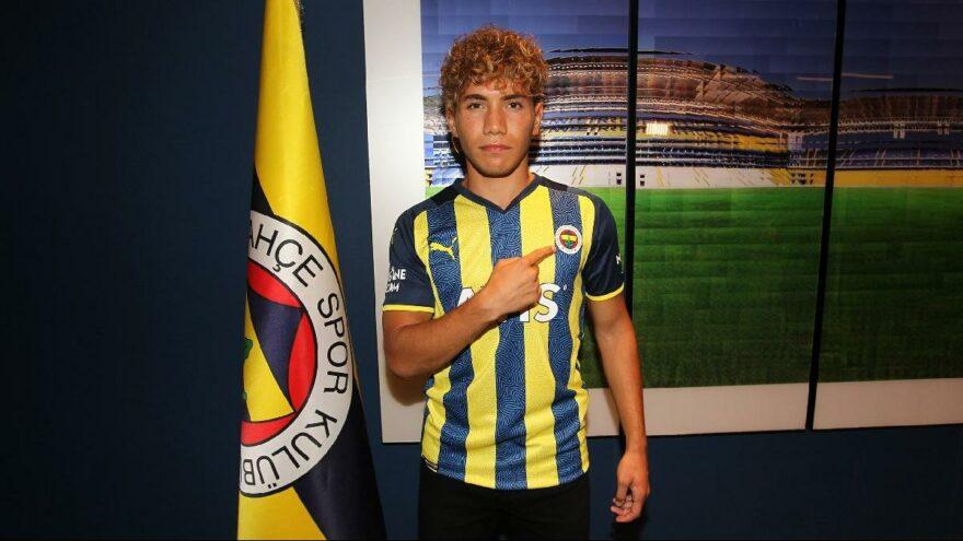 Fenerbahçe'de transfer… Üç yıllık imza
