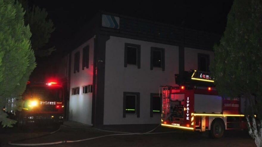 Manisa OSB'de korkutan yangın