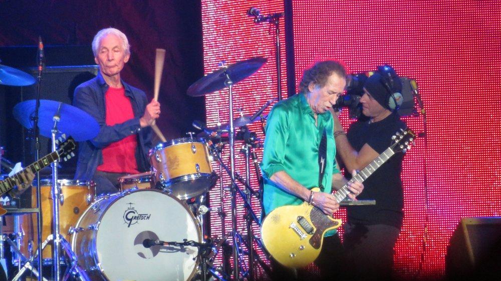 Rolling Stones'un davulcusu Charlie Watts hayranlarını üzdü