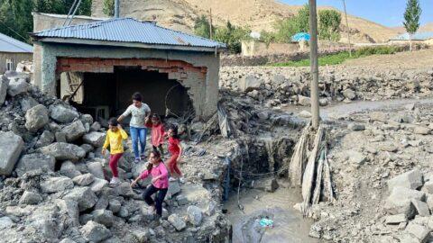 İBB, Van'daki sel bölgesine yardım gönderecek