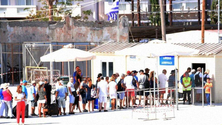 Yunanistan Türkiye'ye sınır kapılarını açtı