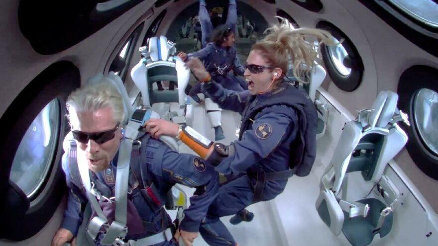 Virgin Galactic, uzaya çıkış bileti satmaya başladı