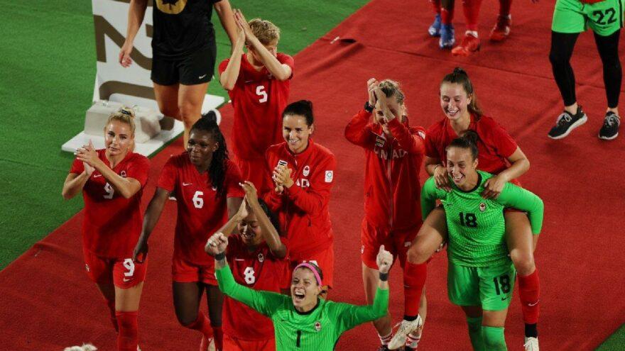 Kadınlar futbolda Kanada Olimpiyat şampiyonu oldu