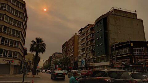 İzmir sarardı