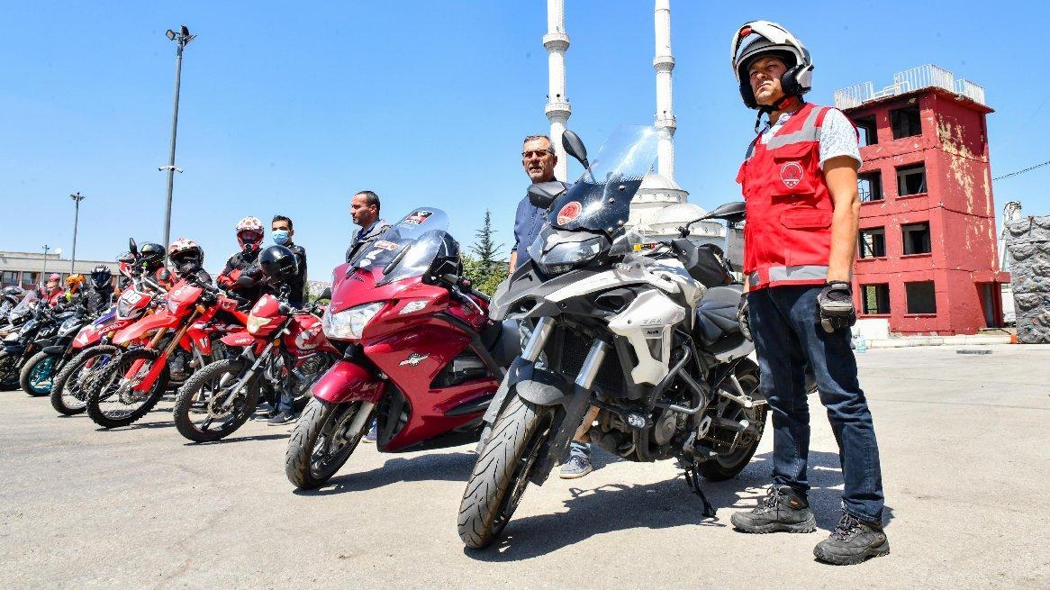 Motosikletli gönüllü itfaiyeciler