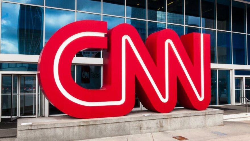 CNN, aşı olmayan çalışanlarını işten kovdu
