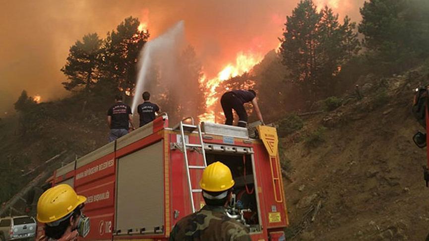 Bakan Pakdemirli: 5 ilde 13 orman yangınını kontrol altına alma çalışması devam ediyor