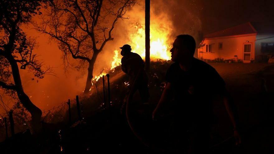 Yunanistan'da acil durum: Yangınlar devam ediyor