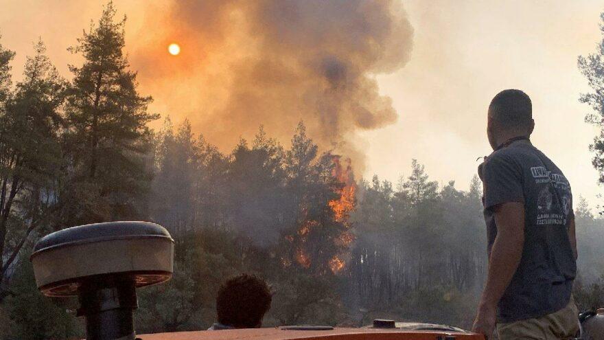 Eğriboz'da alevler yayılıyor… Adadan tahliyeler artıyor