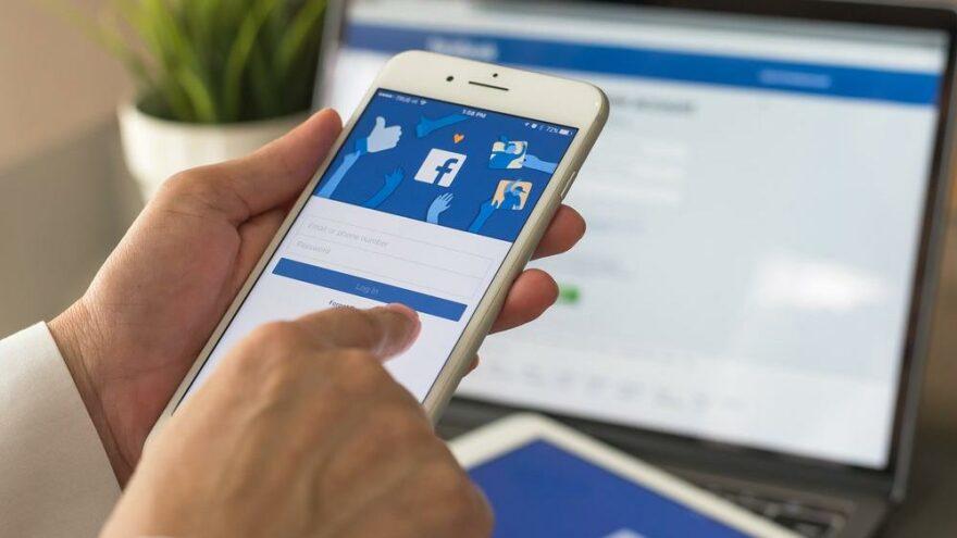 Facebook, 'yanlış bilgi yaymak'la suçlanıyor