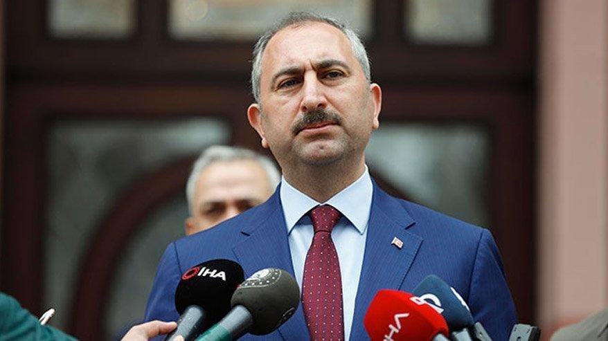 Adalet Bakanı Gül: Yanan alanlara tek bir çivi çakılmasına izin vermeyeceğiz