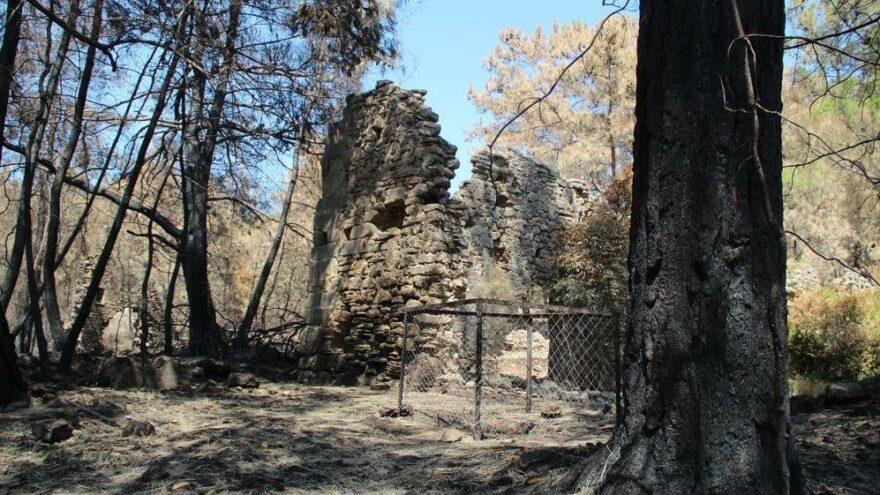 Orman yangınları Lyrbe Antik Kenti'ne de zarar verdi