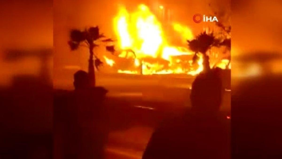 Irak'ta oto galerisinde yangın çıktı! 10 araç küle döndü