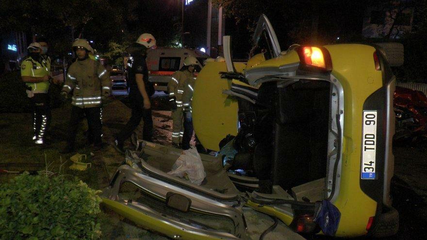 Üsküdar'da feci kaza: Biri ağır, 3 yaralı