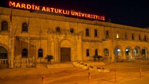 Üniversite yasağı deldi: Adrese teslim ilan