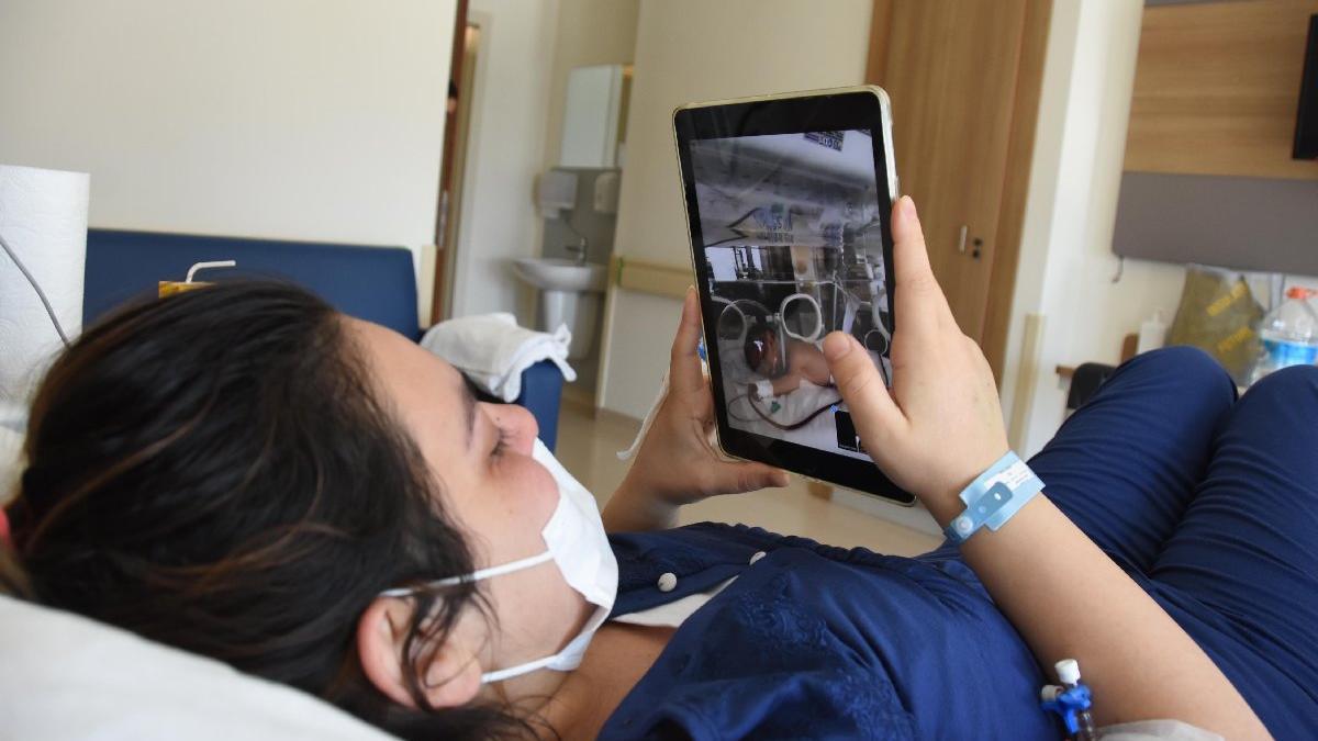 Delta varyantı tedavisi gören Ezgi, bebeğini ilk kez tabletten izledi
