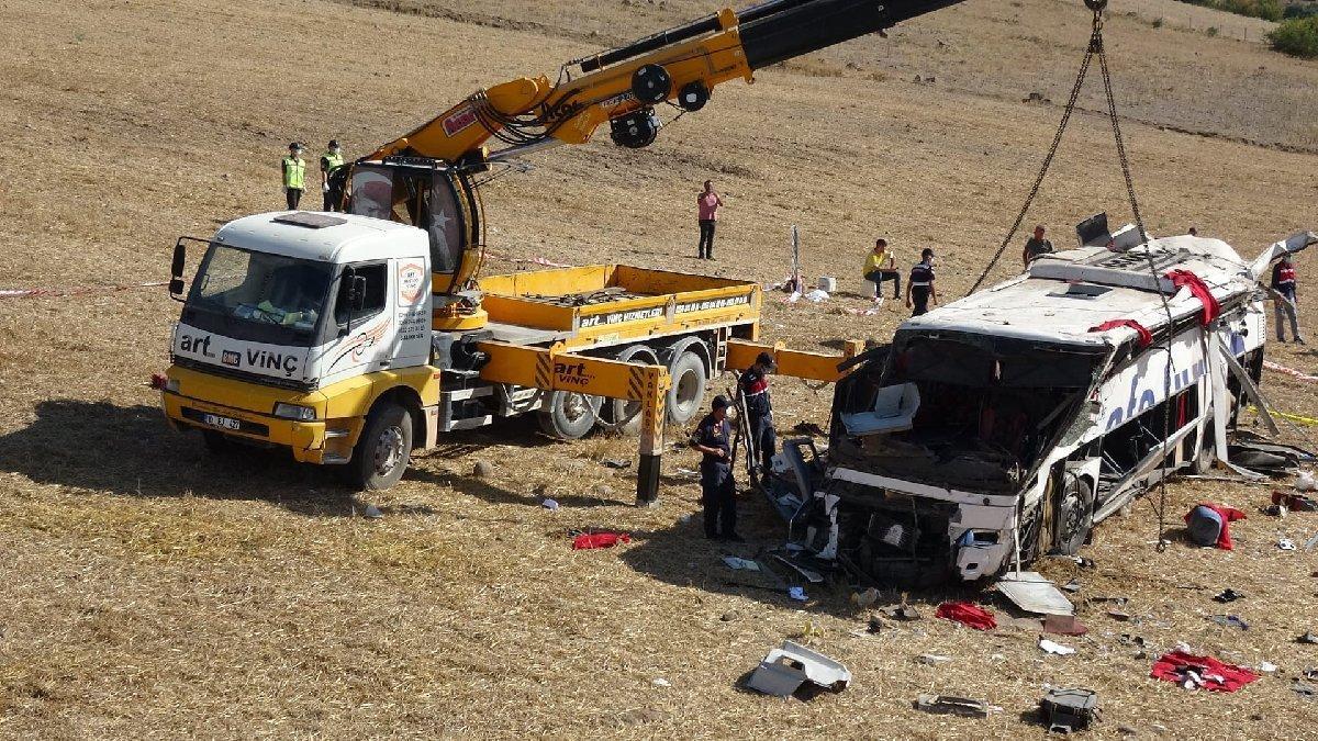 Yolcu otobüsü kazasında hayatını kaybedenlerin isimleri belli oldu