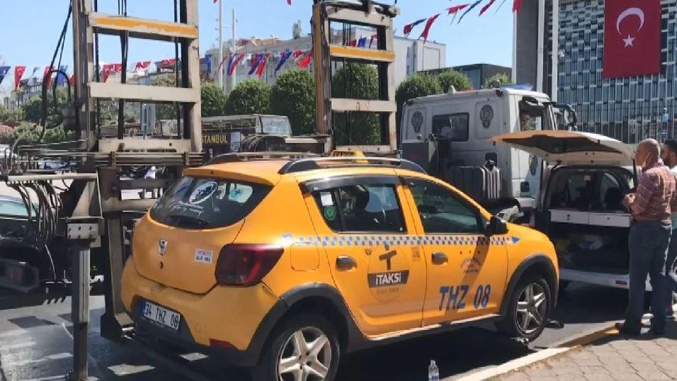 Polisi turist sanan taksici Taksim'den Şişli'ye 500 lira istedi
