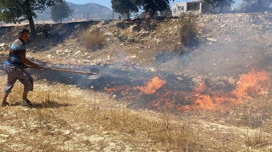 Seydikemer'de yangının biri sönüyor, biri başlıyor