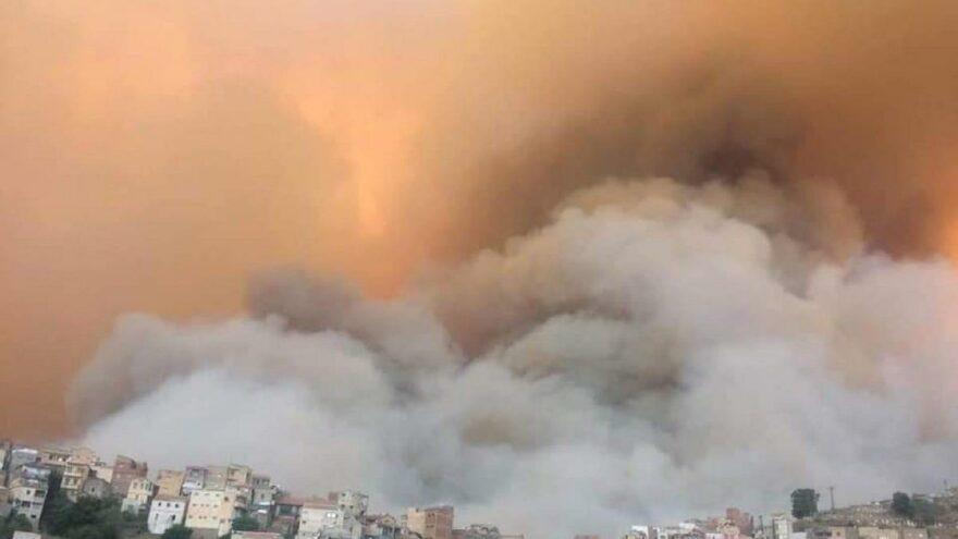 Cezayir de alevlere teslim: 4 ölü, 3 yaralı