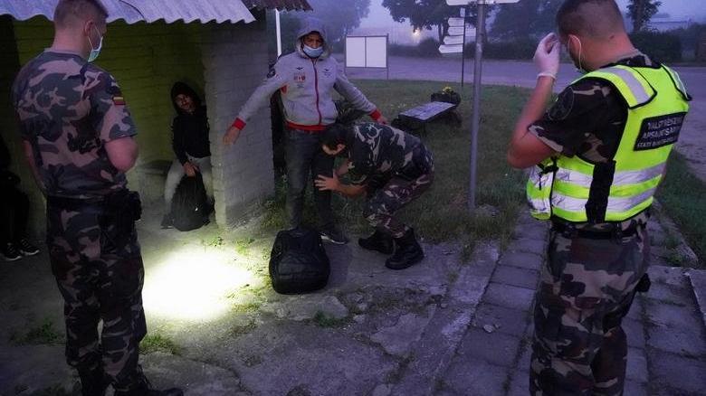 Letonya göçmenleri durdurmak için OHAL ilan etti