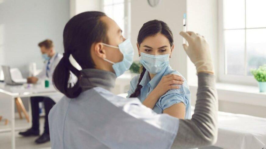 Biontech aşısı yan etkileri neler? Biontech aşısı kaç gün arayla yapılır?