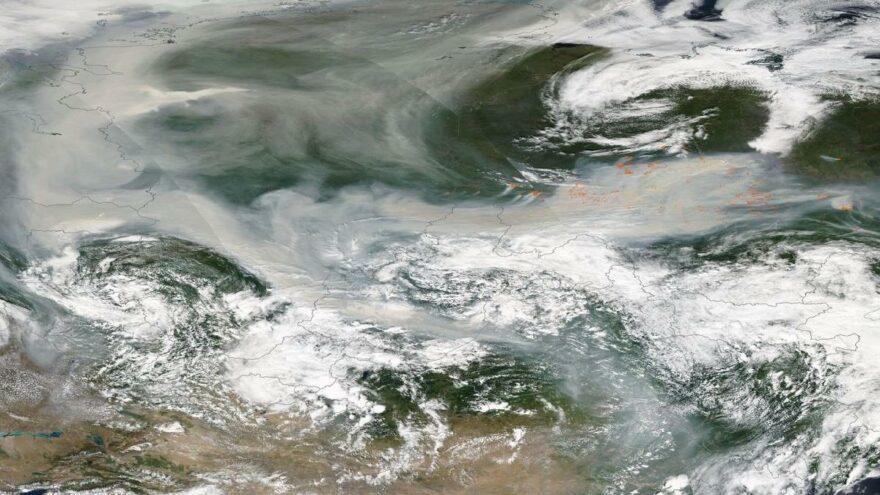 Sibirya'daki yangınlarda dumanlar ilk kez Kuzey Kutbu'na ulaştı