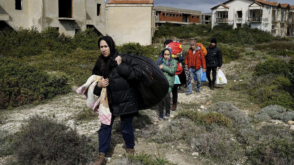Hollanda'dan Afgan mülteci kararı: 6 ay sınır dışı yok
