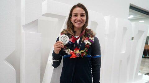 Buse Naz Çakıroğlu: Bundan sonra çift altın madalya olacak