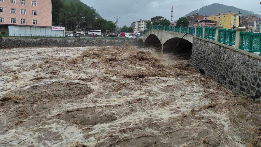 4 yıldır yapılamayan baraj nedeniyle 3 ilçe sürekli sel altında